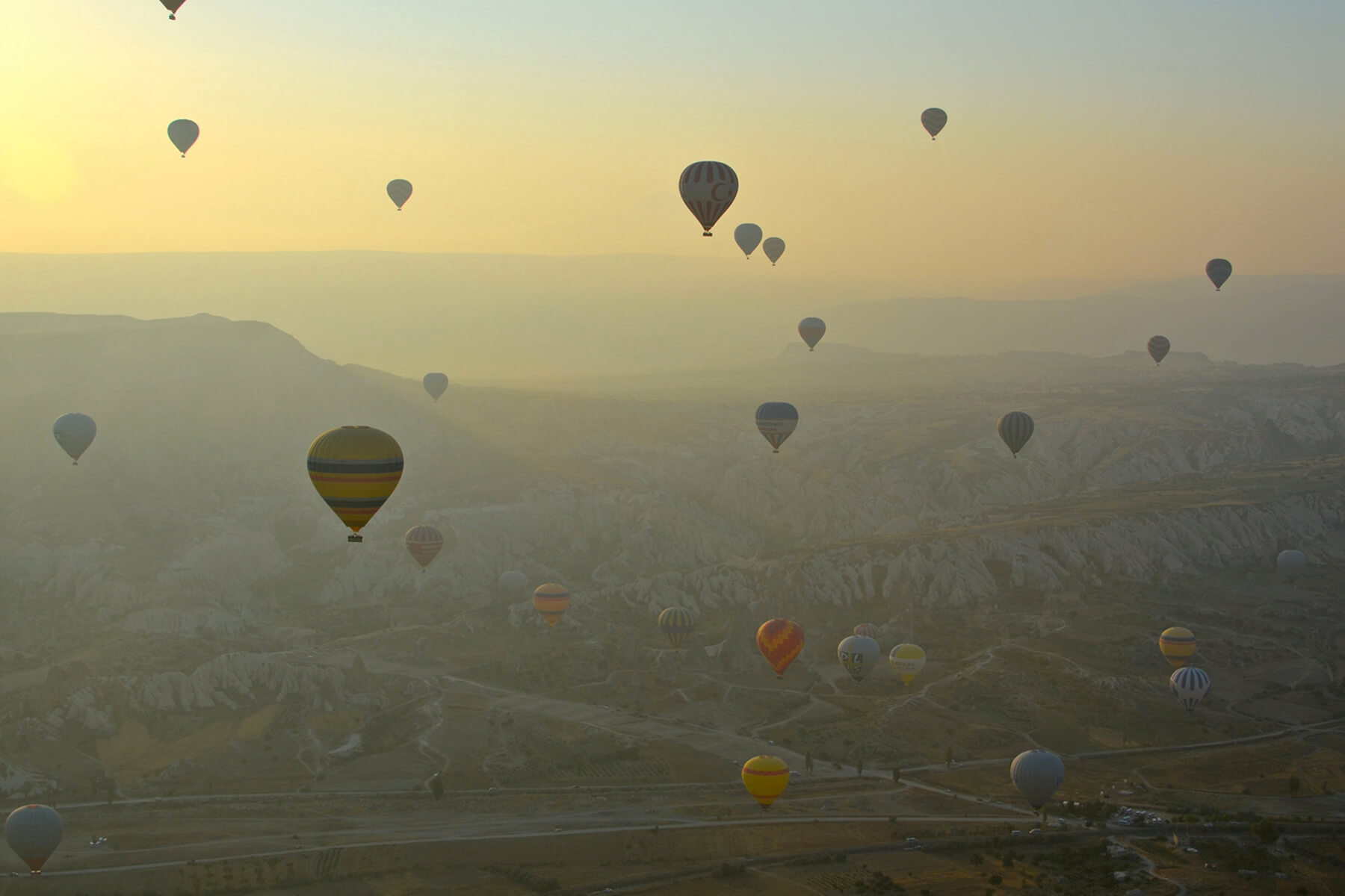 hot air baloons over cappadoccia